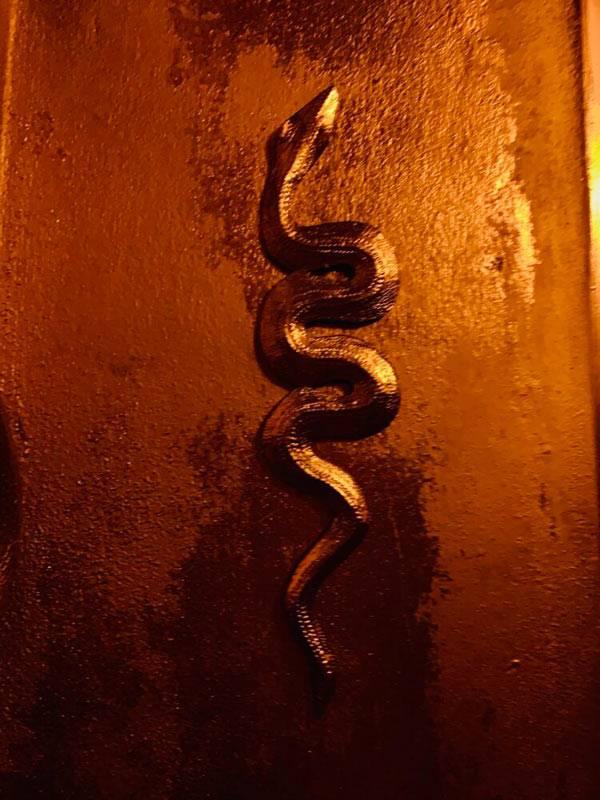 tantryczny cień wąż